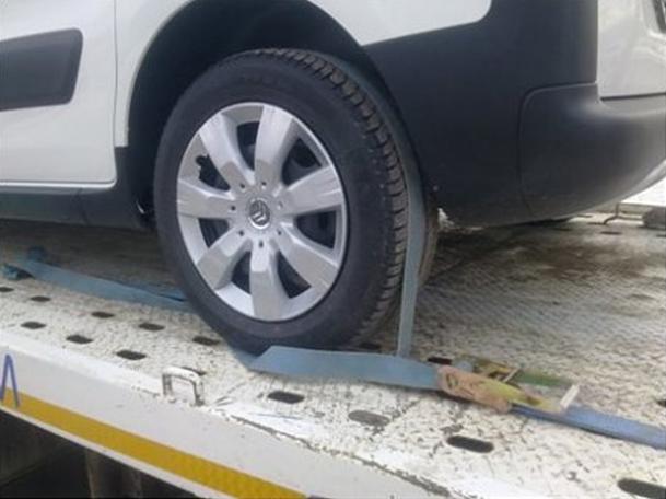 Первый способ крепления колес на эвакуаторе