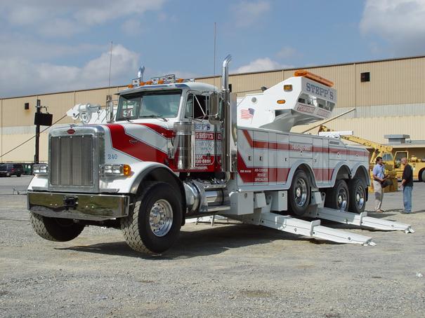 Распространенный в США крупный многофункциональный эвакуатор-спасатель